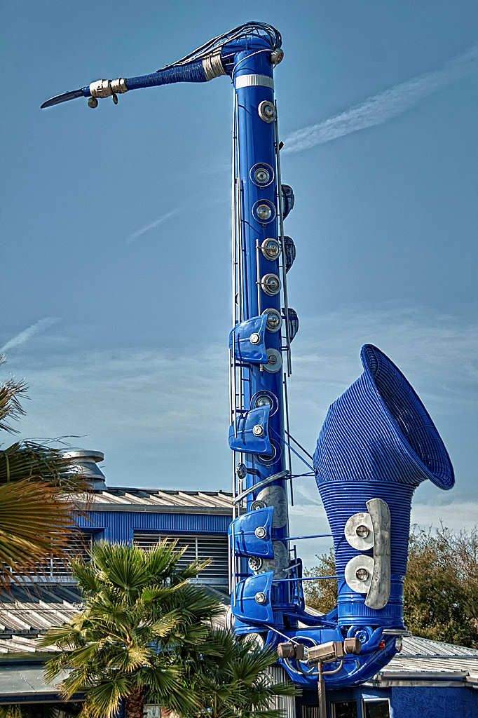 Smoke Sax, saxophone sculpture, Houston, Texas, artist Bob Wade, VW bettle