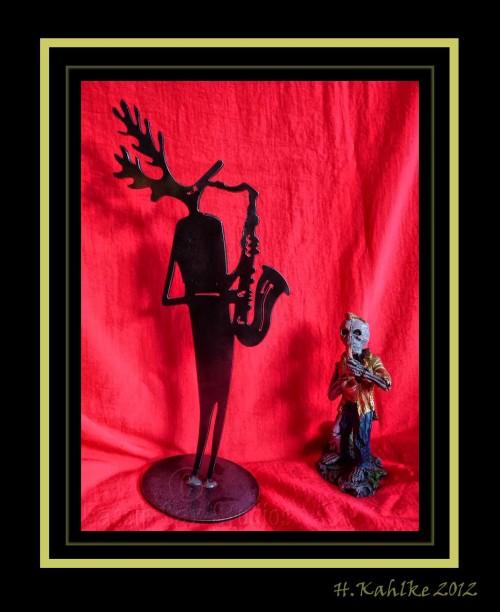 saxophone-playing figurines, moose, skeleton
