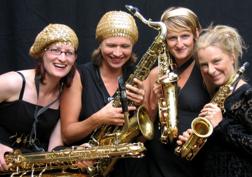 saxophone quartet, German, female saxophone player, women, baritone sax, tenor sax, alto sax, soprano sax,