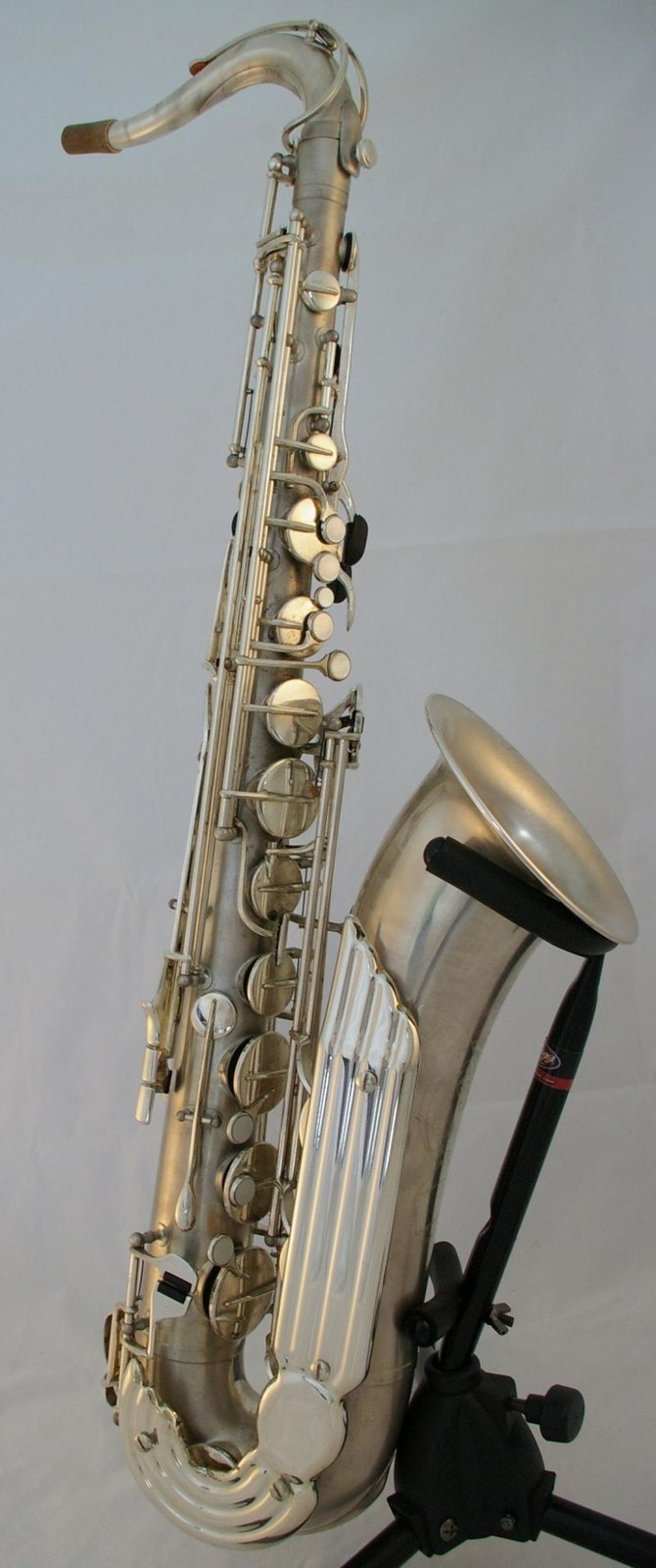 vintage saxophone, tenor sax, Julius Keilwerth The New King, angelwing keyguard,