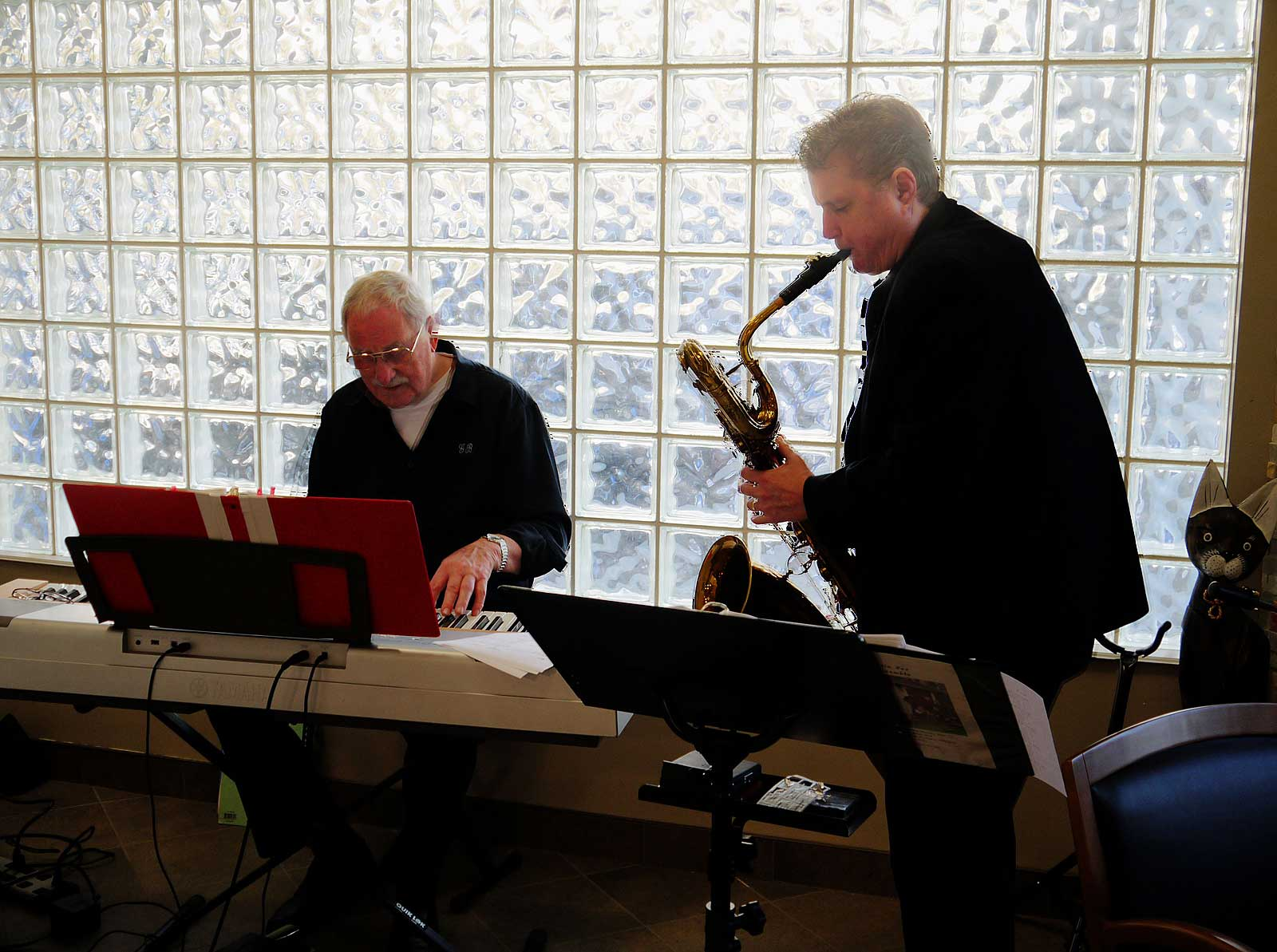 Bassic Sax Jazz Ensemble, Helen Kahlke, Geoff Brown, Coast Rivers Pet Hospital, bari sax player, keyboard player