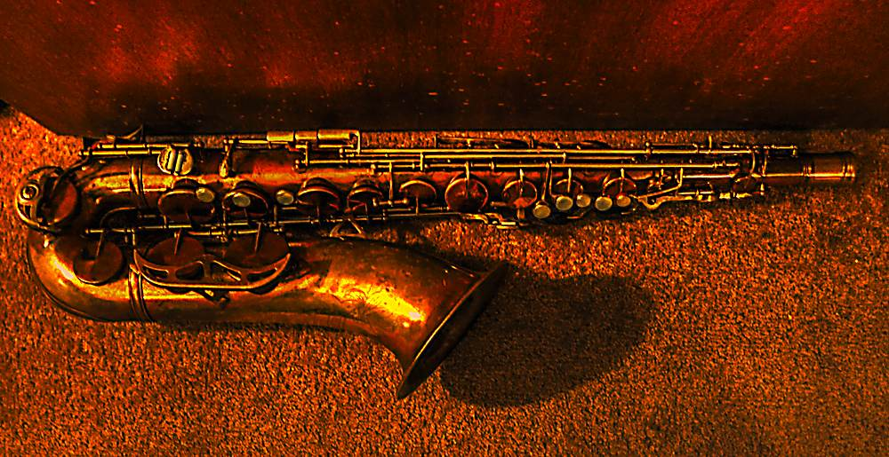 King Zephyr, tenor saxophone, doorstop