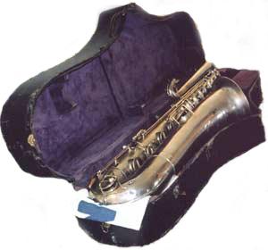 bass saxophone, Buescher, original case,