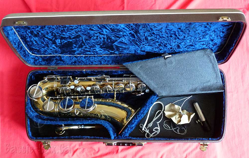 saxophone, Hohner, tenor, in case, with accessories