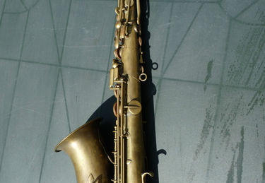 Bb Tenor - sn unknown - Bare Brass